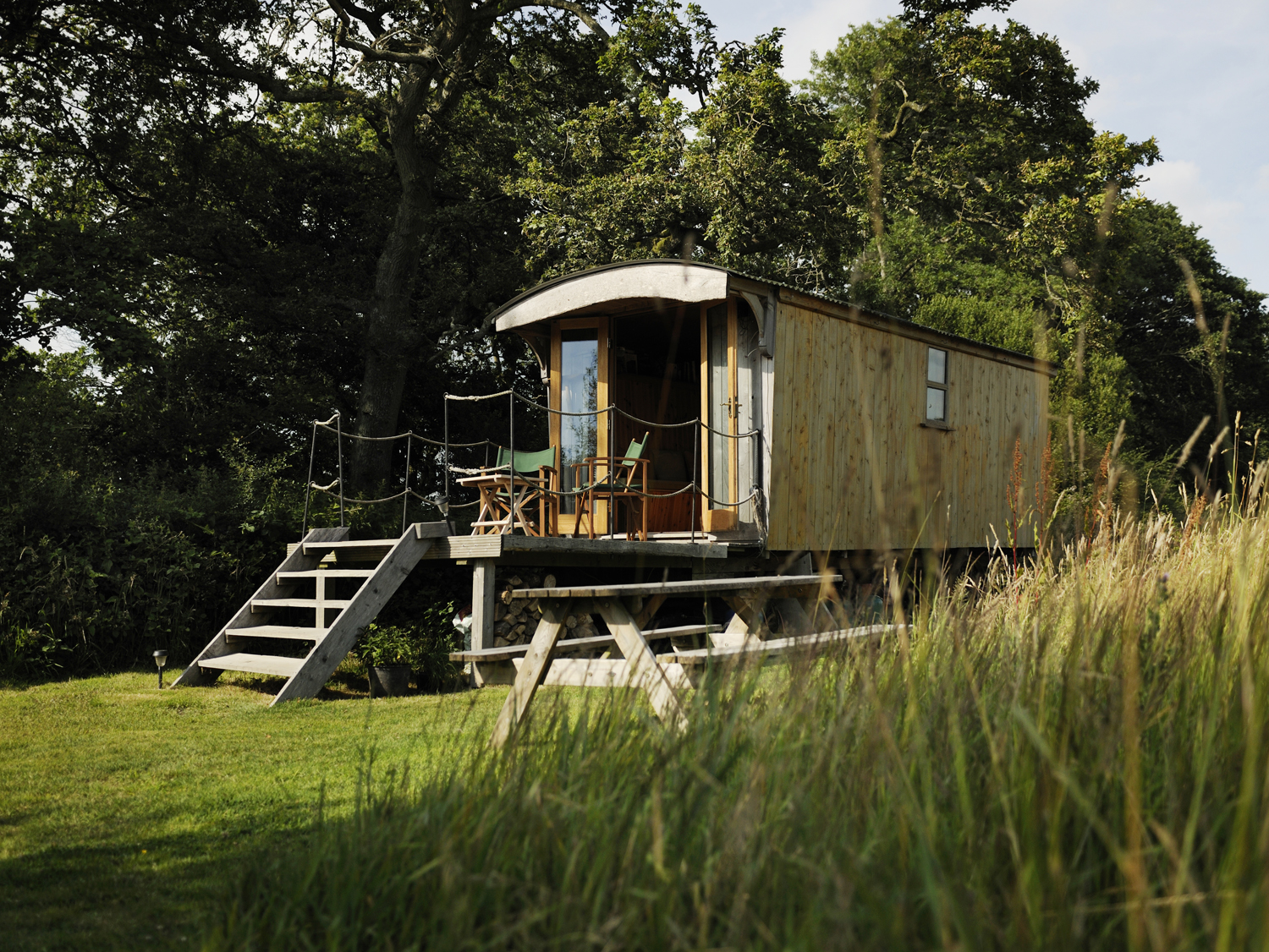Shepherd's hut glamping & Saw Pit Wagon holiday accommodation